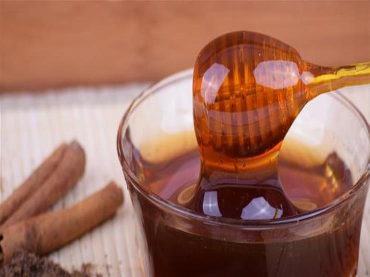 5 خرافات عن العسل والقرفة.. إليك فوائدهم الحقيقية