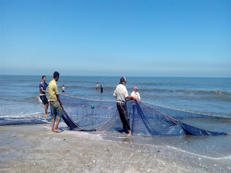 """الشرطة تستعين بـ""""شباك الصيادين"""" لاستخراج جثة غريق بلطيم"""
