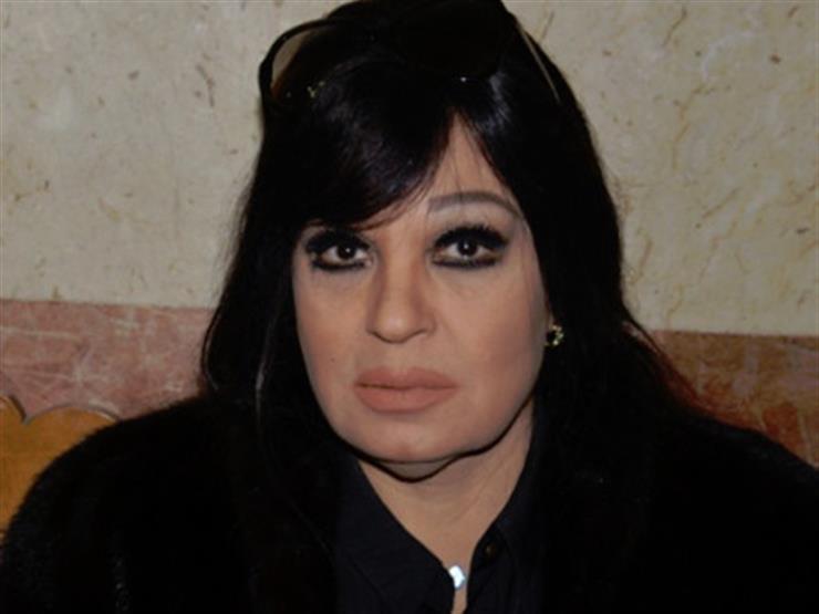 تشييع جثمان شقيقة فيفي عبده من مسجد السيدة نفيسة
