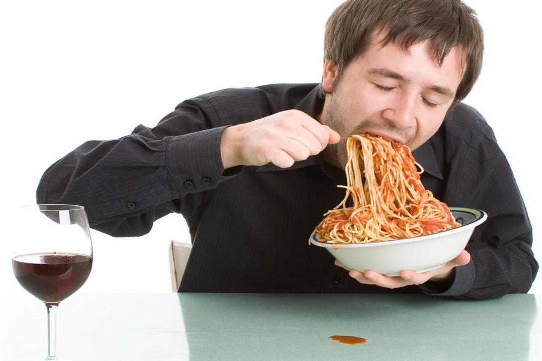 أبرزها الكسل.. 5 عادات خاطئة تسبب زيادة الوزن في فصل الشتاء (إنفوجراف)