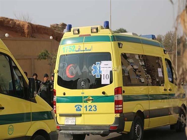 بالأسماء.. إصابة 12 عاملًا زراعيًا في حادث تصادم بصحراوي البحيرة