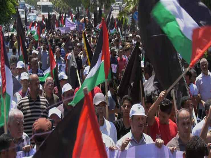 """احتجاجا على """"صفقة القرن"""".. عشرات الإصابات بالضفة وإضراب في غزة"""