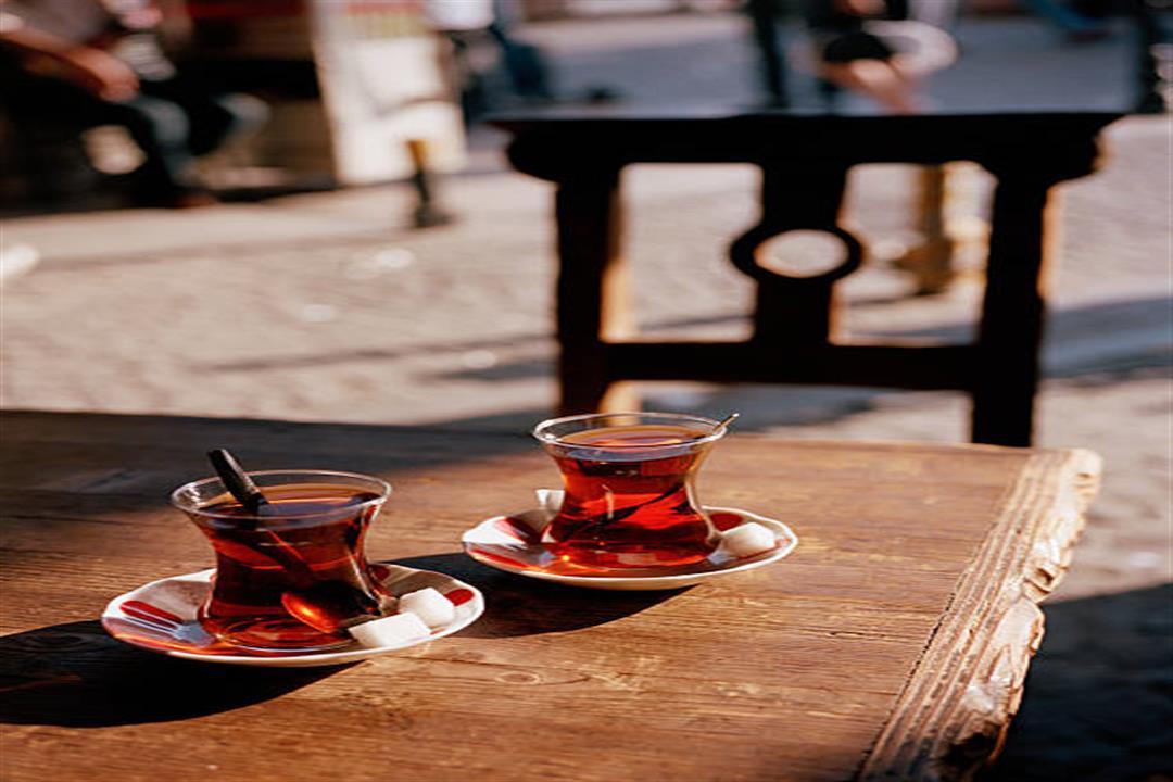 أغربها الصداع.. 8 أضرار للإفراط في تناول الشاي (صور)
