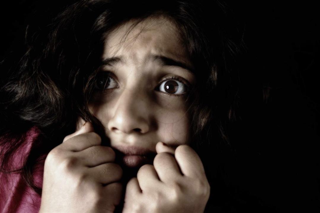 علماء يكتشفون سبب رعشة الجسم عند الخوف
