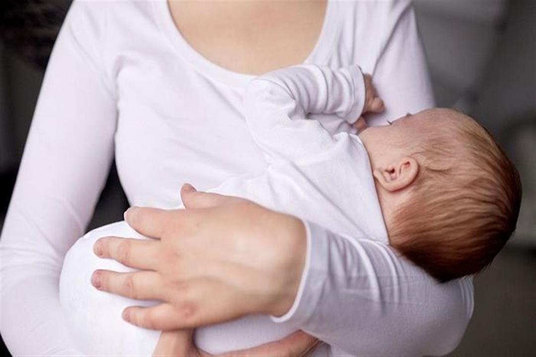 دراسة: لبن الأم يقي الأطفال المبتسرين من أمراض القلب