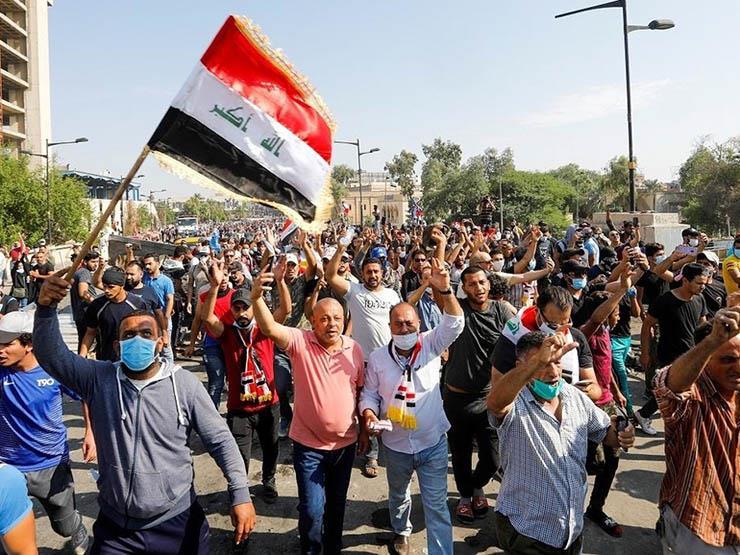 توافد مئات المتظاهرين على ساحة التحرير في بغداد