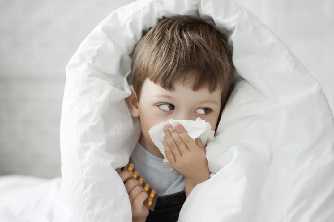 منها نزلات البرد..  4 أمراض شائعة تصيب طفلِك في فصل الشتاء