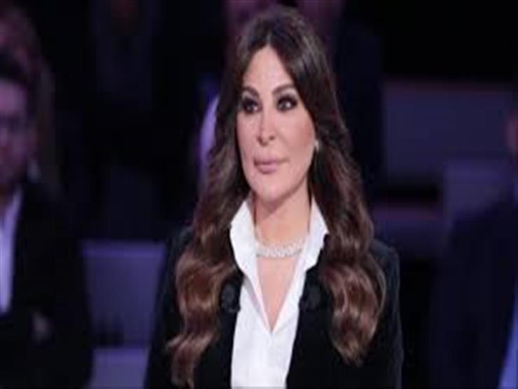 """إليسا تعلق على أزمة لبنان: """"يحاولوا يضيعوا الثورة"""""""