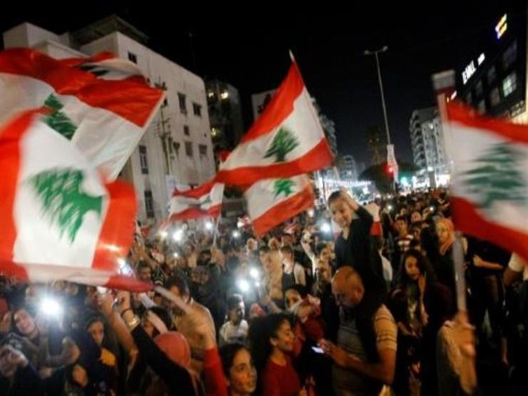 """في اليوم الـ21 للحراك الشعبي.. طلاب لبنان يتحدّون """"استئناف الدروس"""""""