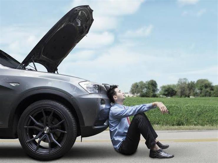 بالفيديو.. ٨ خطوات عليك فعلها إذا تعطلت سياراتك أثناء القيادة؟