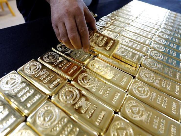 أسعار الذهب تتجه نحو أكبر انخفاض أسبوعي في عامين ونصف