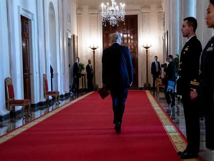 """""""رئيس بلا حياة"""".. ترامب حبيسًا داخل البيت الأبيض"""