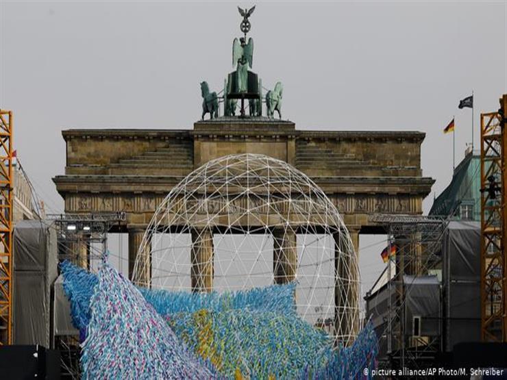 ذكرى سقوط جدار برلين.. لماذا يختلف نبض حياة الشرق والغرب؟