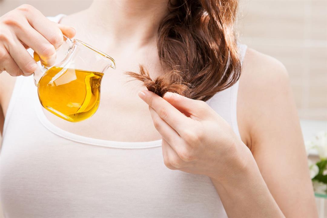 أبرزها علاج القمل.. 5 فوائد يقدمها زيت السمسم للشعر (صور)