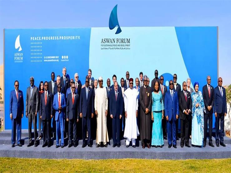 على هامش منتدى أسوان.. صورة تذكارية للرئيس السيسي مع رؤساء دول أفريقية