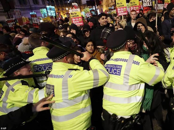 المئات يتظاهرون في لندن اعتراضا على فوز جونسون