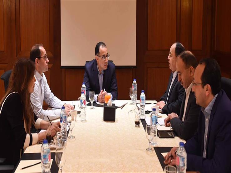 رئيس الوزراء يناقش مع وزير المالية موقف موازنتي العام المالي الحالي والجديد