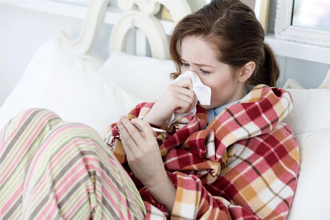 ما الفرق بين نزلات البرد والإنفلونزا؟ (إنفوجرافيك)