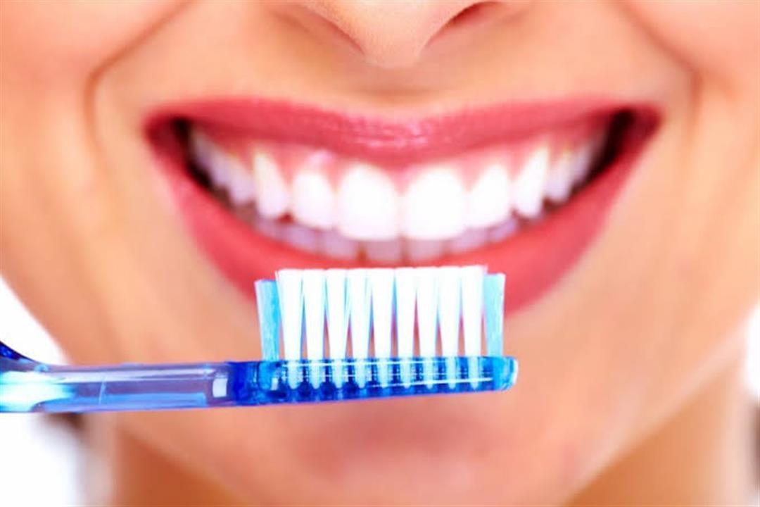 طبيب بريطاني يكشف: معجون الأسنان يحمي من فيروس كورونا