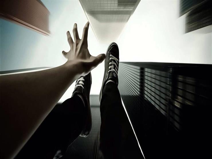 """""""رسالة ميت"""".. طالب جامعي ينتحر من الطابق الـ 14 بالإسكندرية"""