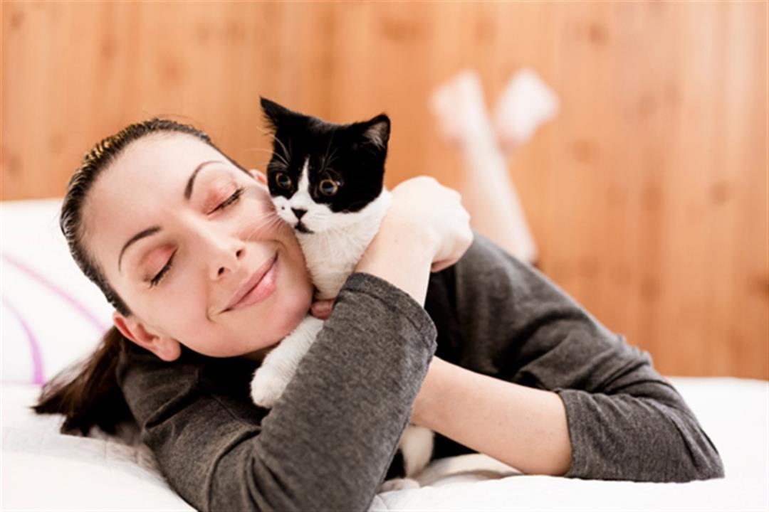 للفتيات.. هل تربية القطط تسبب العقم؟