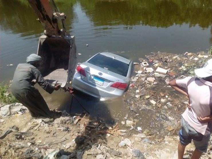 سقوط سيارة بترعة المريوطية ونجاة قائدها من الموت