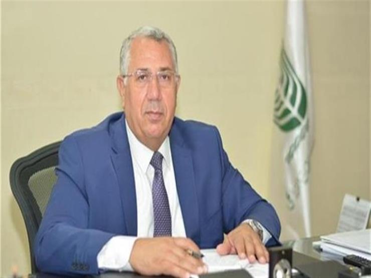 وزير الزراعة يهنئ فلاحي ومزارعي مصر بحلول عيد الفطر المبارك