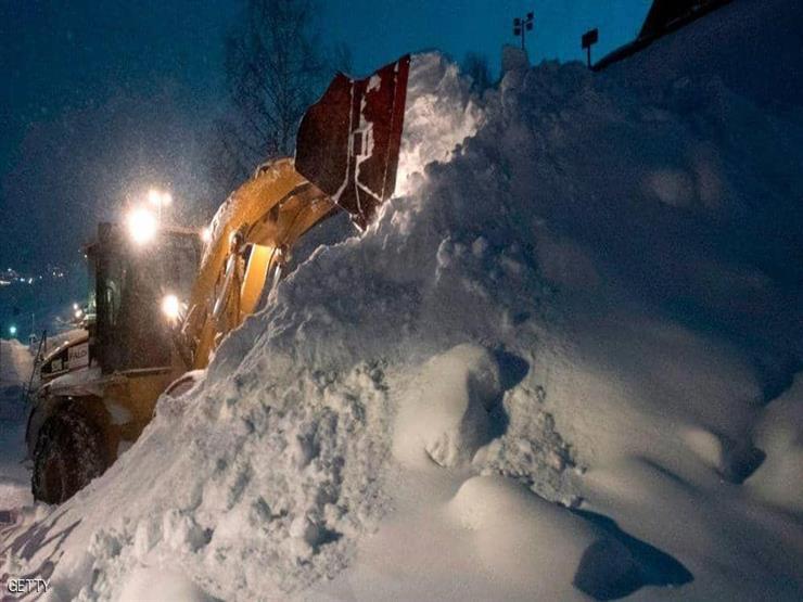 الشرطة تنقذ شخص ظلّ 5 ساعات تحت الثلوج حيًا