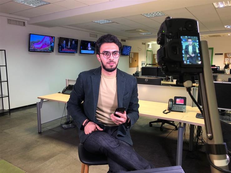 """أحمد الجمل مقدمًا على شاشة """"روسيا اليوم أونلاين"""""""