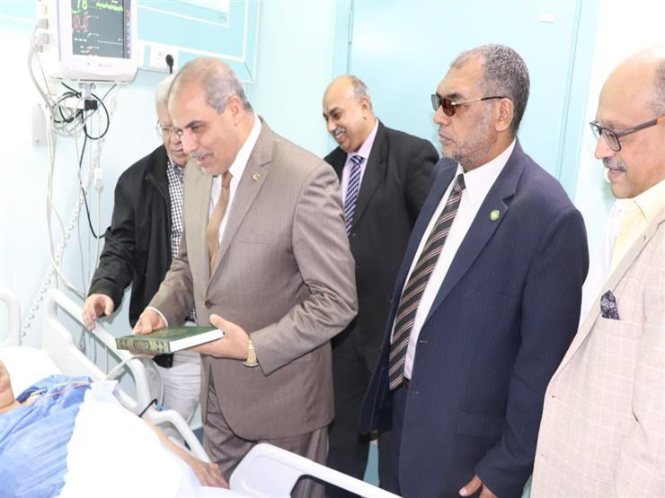 رئيس جامعة الأزهر يأمر بعلاج مسنة بالمستشفى التخصصي