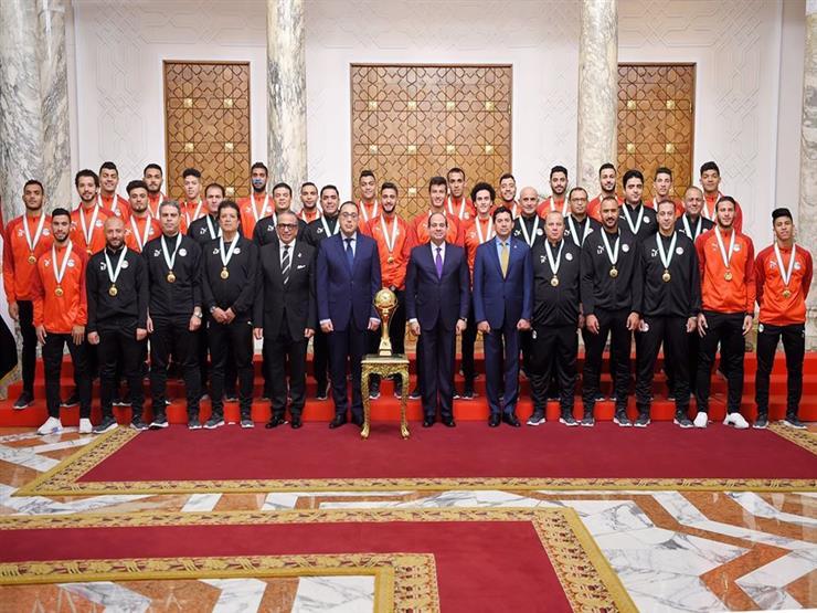 فيديو تكريم الرئيس السيسي للمنتخب الأولمبي ولاعبي الإسكواش