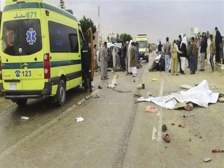 مصرع 4 أشخاص وإصابة 9 في تصادم سيارتين بجوار استاد برج العرب