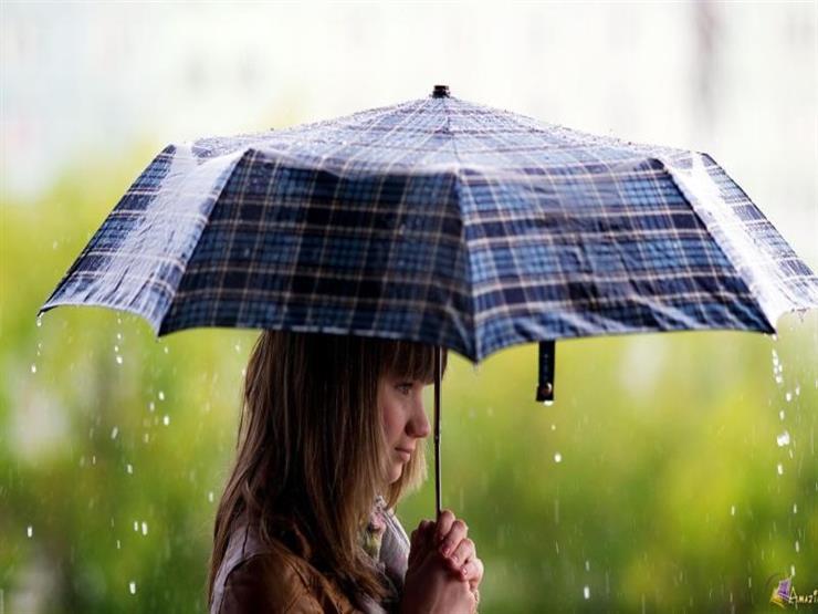 هذا ما يحدث لشعرك عند تعرضه لمياه الأمطار