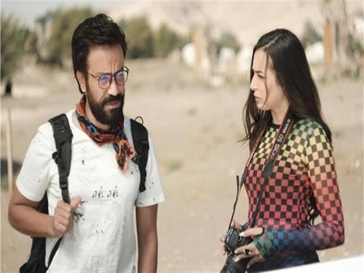 """غدًا.. سامح حسين وزوجته يحتفلان بالعرض الخاص لـ""""عيش حياتك"""""""