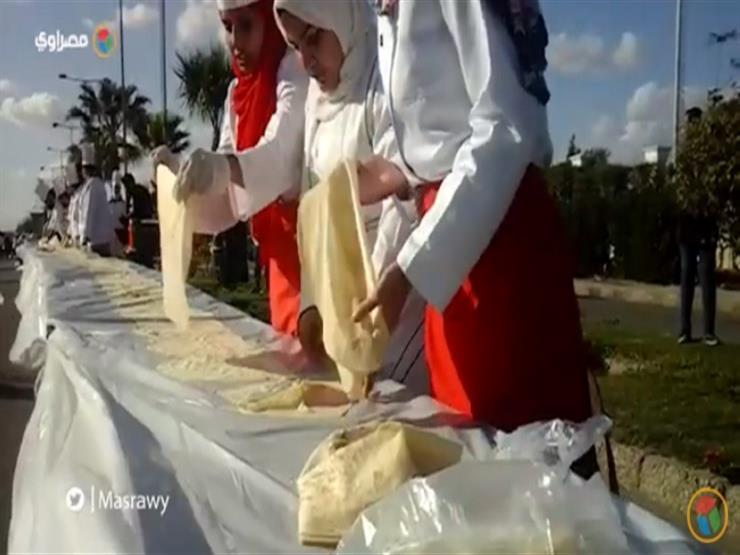"""مهرجان """"أكبر ساندويتش في إفريقيا"""" يتحول إلى """"خناقة"""" (فيديو)"""