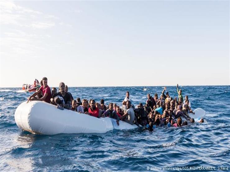 منظمة: نحو 150 مهاجرًا معرضون للغرق قبالة ليبيا