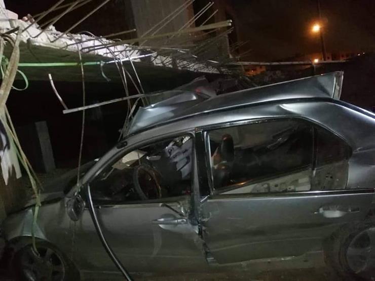 20 مصابا في تصادم سيارتين بطريق الدبابة