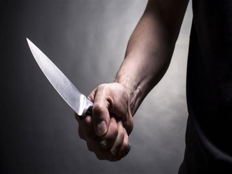 """""""حرام عليك أنا خالتك"""".. حلاق يطعن شقيقة والدته بسكين في الإسكندرية"""
