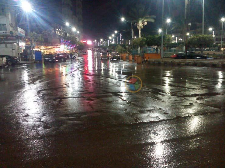 بالصور.. استمرار سقوط الأمطار على كفرالشيخ