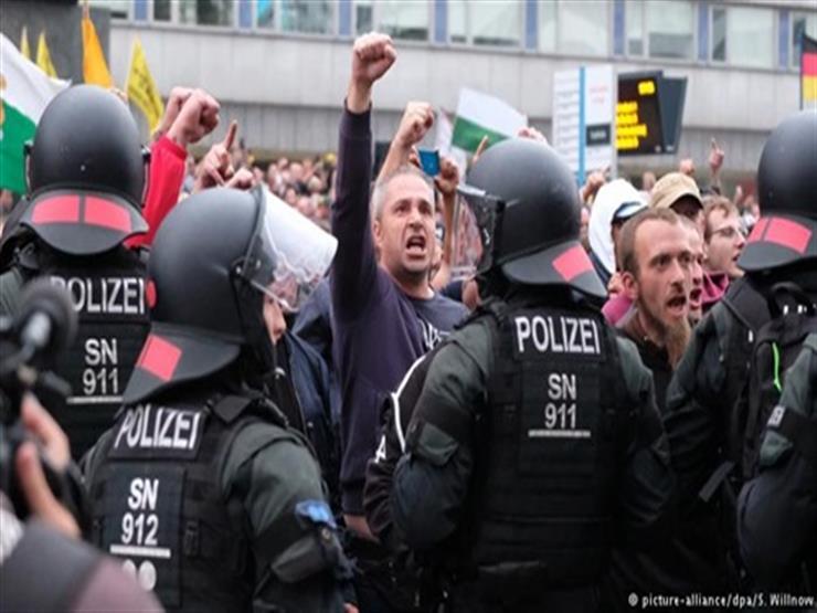 """""""السترات الملونة"""" تحتشد اليوم في ألمانيا"""