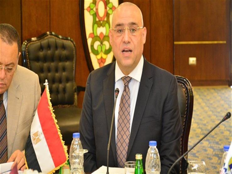 """وزير الإسكان: 3 أهداف للشراكة بين """"المجتمعات العمرانية"""" وشركات التطوير العقاري"""