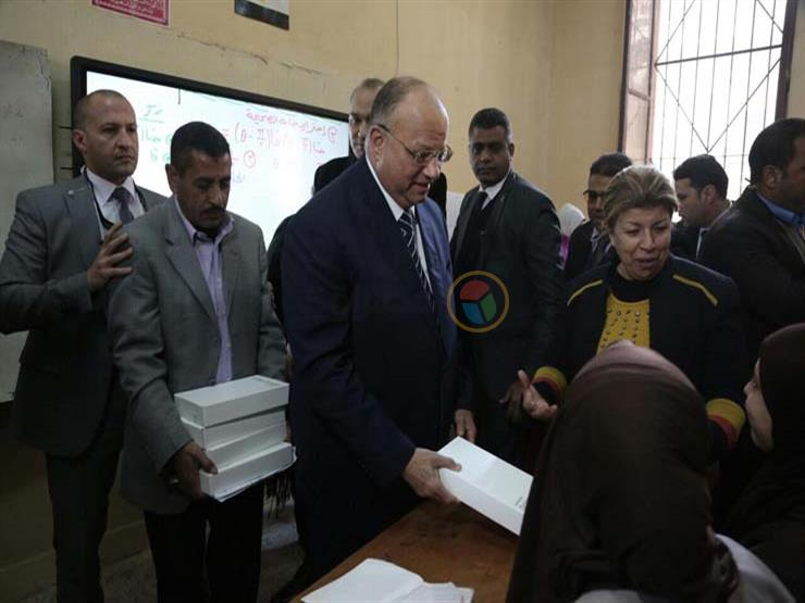 محافظ القاهرة: استخدام التابلت سيسهم في الحد من الدروس الخصوصية
