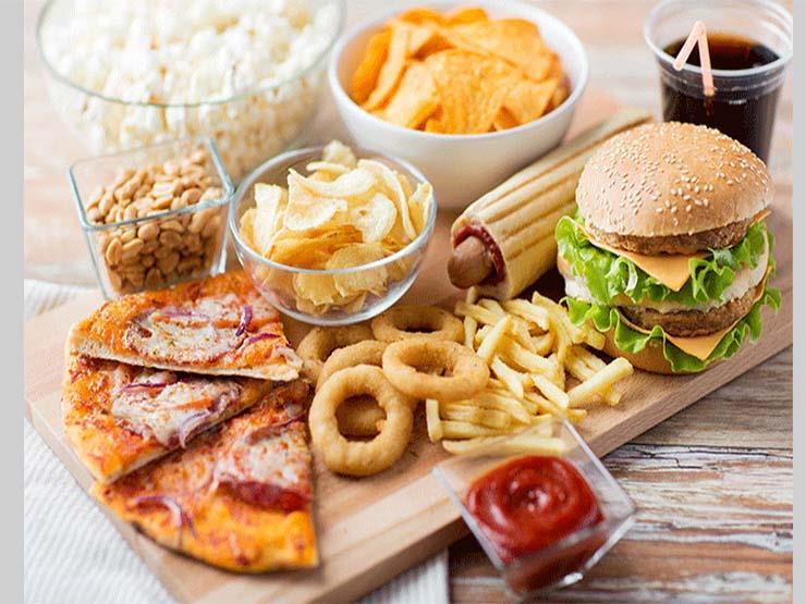 الأطعمة المتاحة في بعض أماكن العمل غير صحية