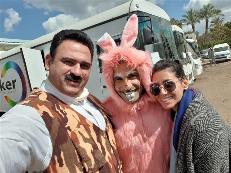 أكرم حسني ينشر أول فيديو من كواليس مسلسله الرمضاني