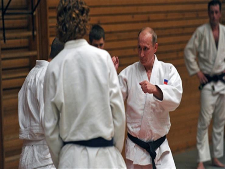 عمرو أديب يعقب على إصابة الرئيس الروسي خلال تدريبات الجودو