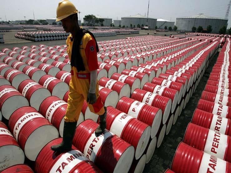 النفط يواصل التراجع من أعلى مستوى له في 2019 style=
