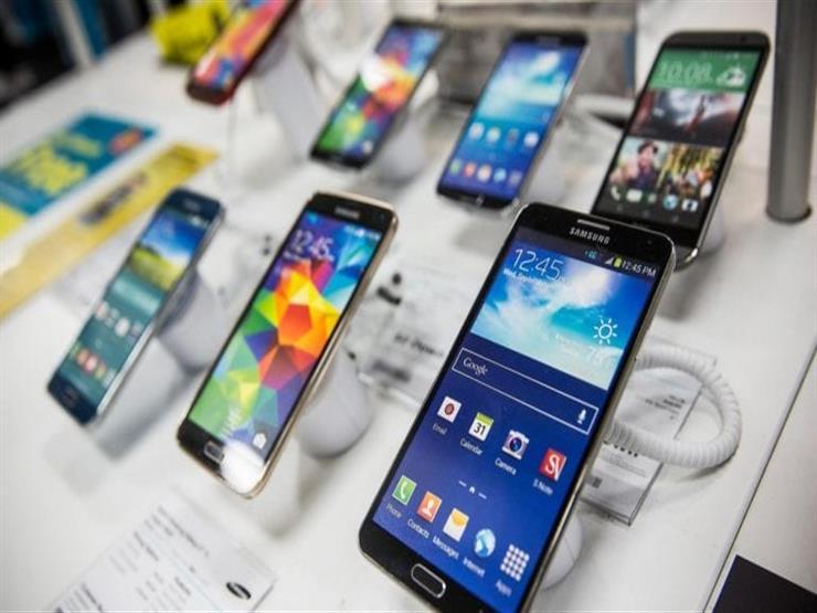 """مستند- """"التجارة"""" تشترط تسجيل شركات هواتف المحمول قبل التصدير لمصر"""