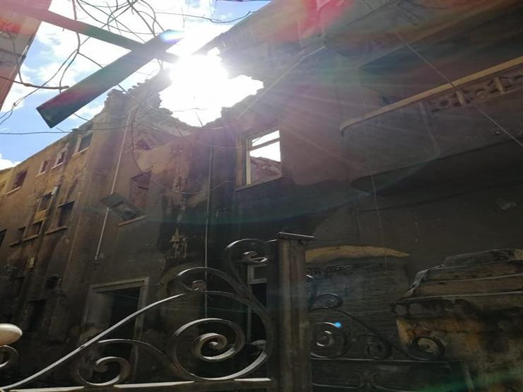 بعد وفاة 3 أشخاص أسفل عقار كرموز.. انهيار أجزاء من منزل وسط الإسكندرية (صور)