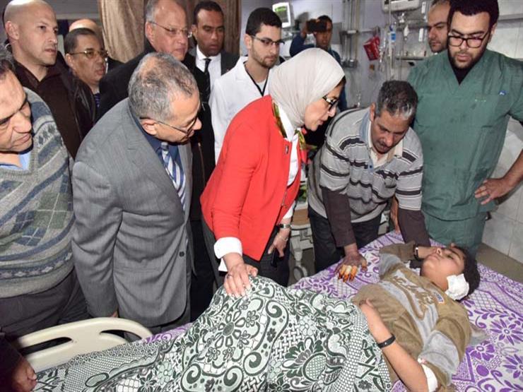وزير التعليم يحقق حلم أصغر مصابي حادث الدرب الأحمر وشقيقته