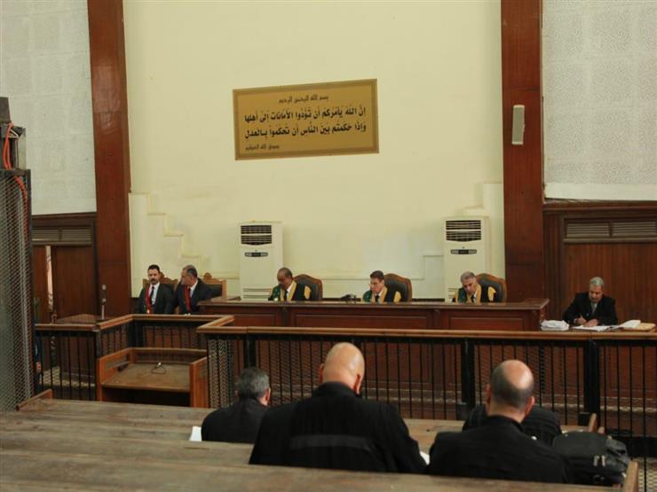 """تأجيل مُحاكمة """"مرسي"""" وآخرين في """"اقتحام الحدود الشرقية"""" للغد"""